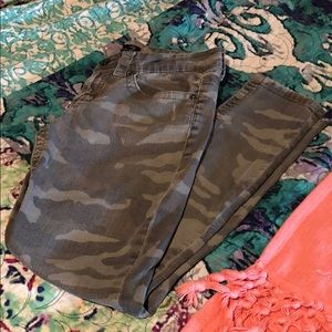 Seven for All Mankind Camo Skinny Jeans Size 6